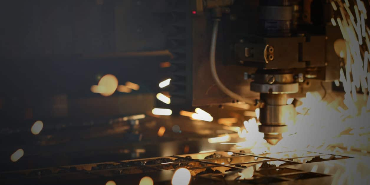Laser or Plasma cutting sheet metal with sparks